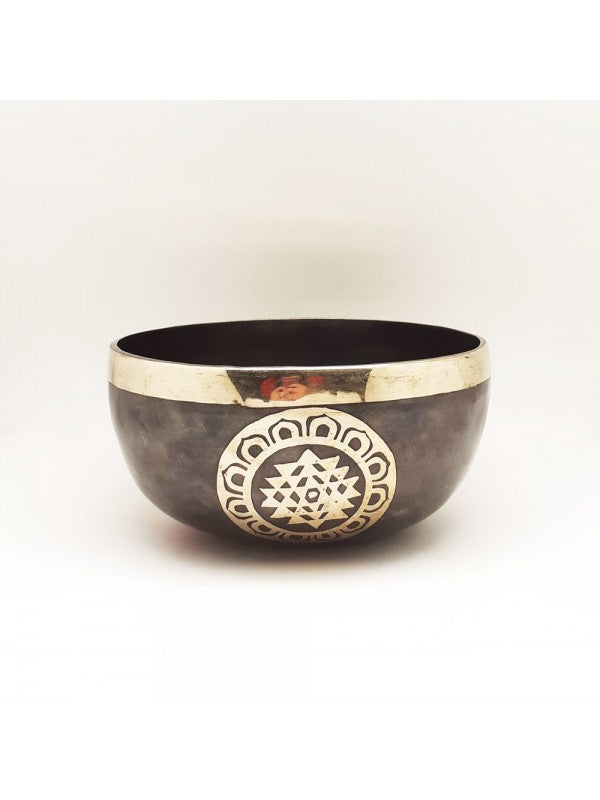 Black Embroidered Bowl 18.5 cm | FeelHeal.me