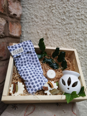 Gift Set - Relaxing Lavender Eye Pillow, Wax Burner & soy melts