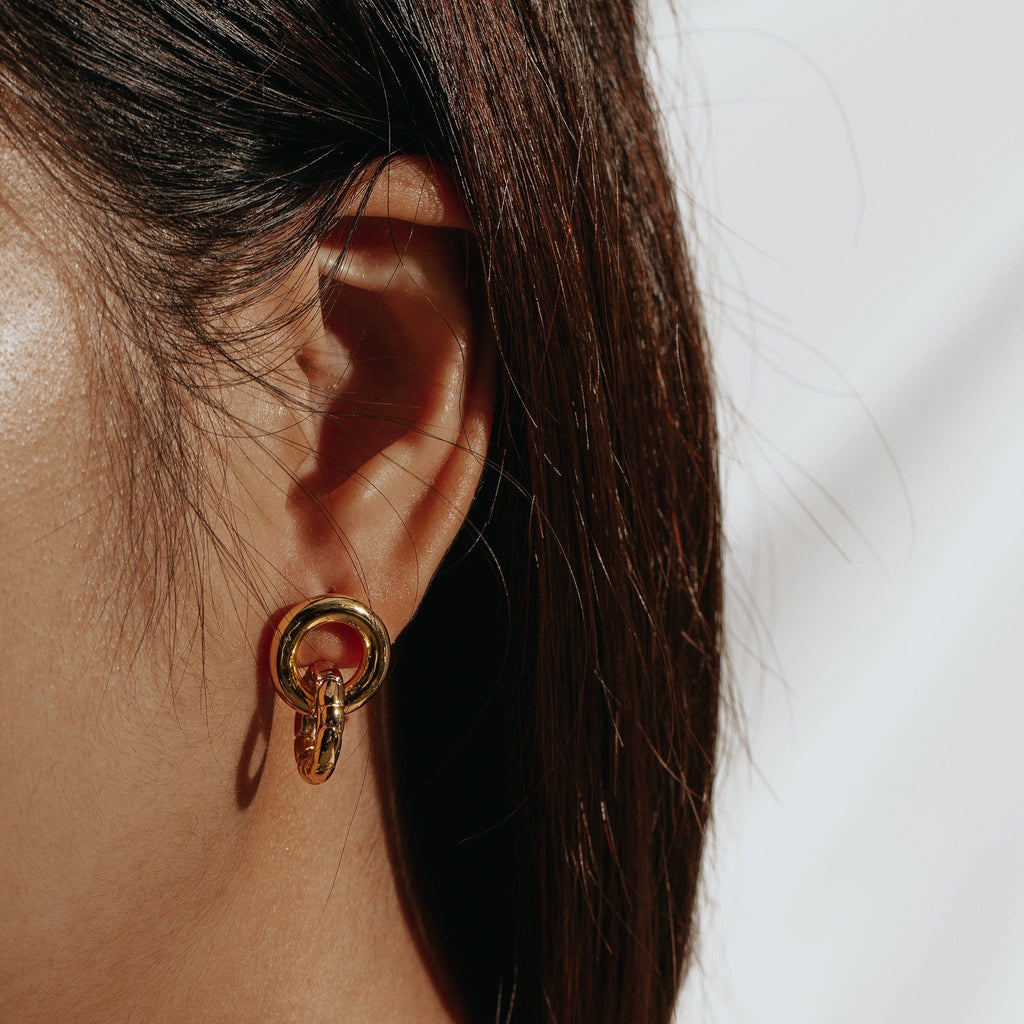 DISTINGUE | Double Circle Earrings