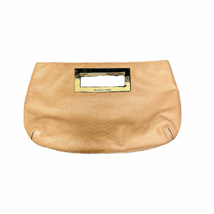 Primary Photo - BRAND: MICHAEL KORS STYLE: CLUTCH COLOR: TAN SKU: 159-159192-14076