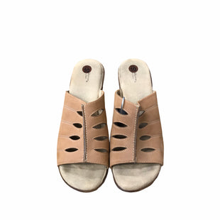 Primary Photo - BRAND: CROFT AND BARROW STYLE: SANDALS LOW COLOR: BROWN SIZE: 10 SKU: 159-159218-17015