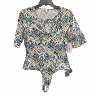 Primary Photo - BRAND: GUESS STYLE: TOP SHORT SLEEVE COLOR: MULTI SIZE: L SKU: 159-159265-1123