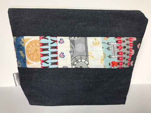 Large Zippered Project Bag - Quilted Fabric Panel
