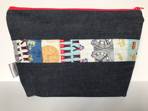 Small Zippered Project Bag - Quilted Fabric Panel