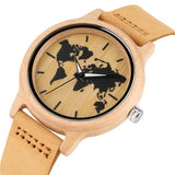 montre fond carte du monde wood look