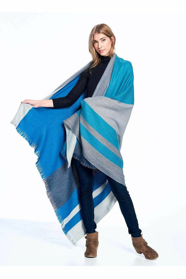 Shupaca Shupaca - Alpaca Reversible Throw Dodger Blue