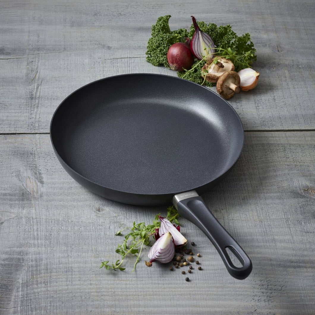 Classic Induction Fry Pan In Sleeve