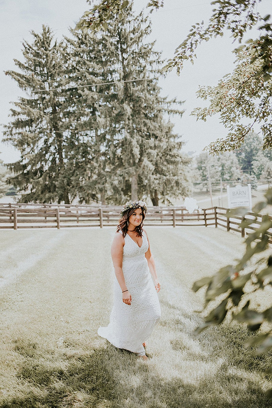 bride at the barn at sugarcreek