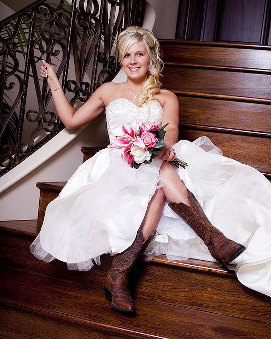rustic bride in boots