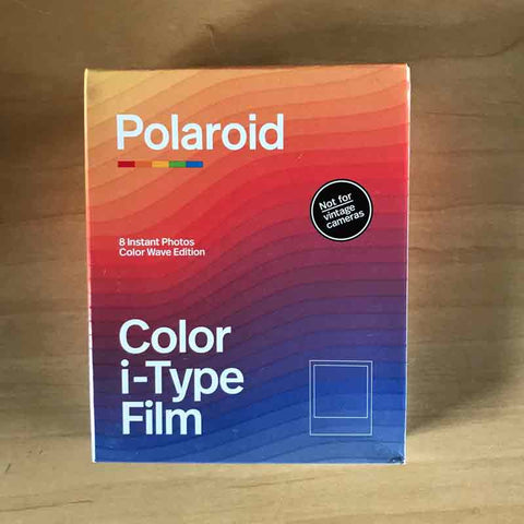 Polaroid COLOR i-Type Color Wave Edition