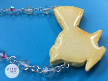 Load image into Gallery viewer, Fantail Animal Cracker Pendant