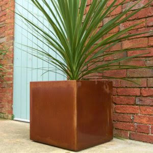 Small Rockingham Cube Planter