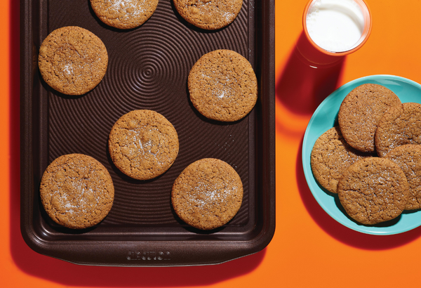 Ginger Molasses Cookies - Circulon