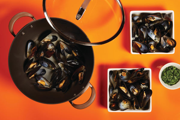 Steamed Mussels with White Wine and Garlic - Circulon