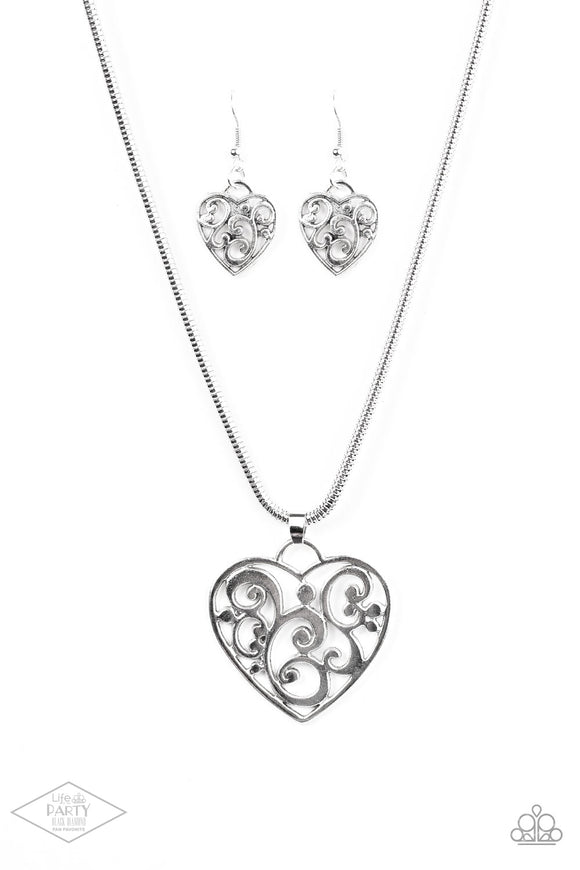 Paparazzi FILIGREE With All Your Heart-silver