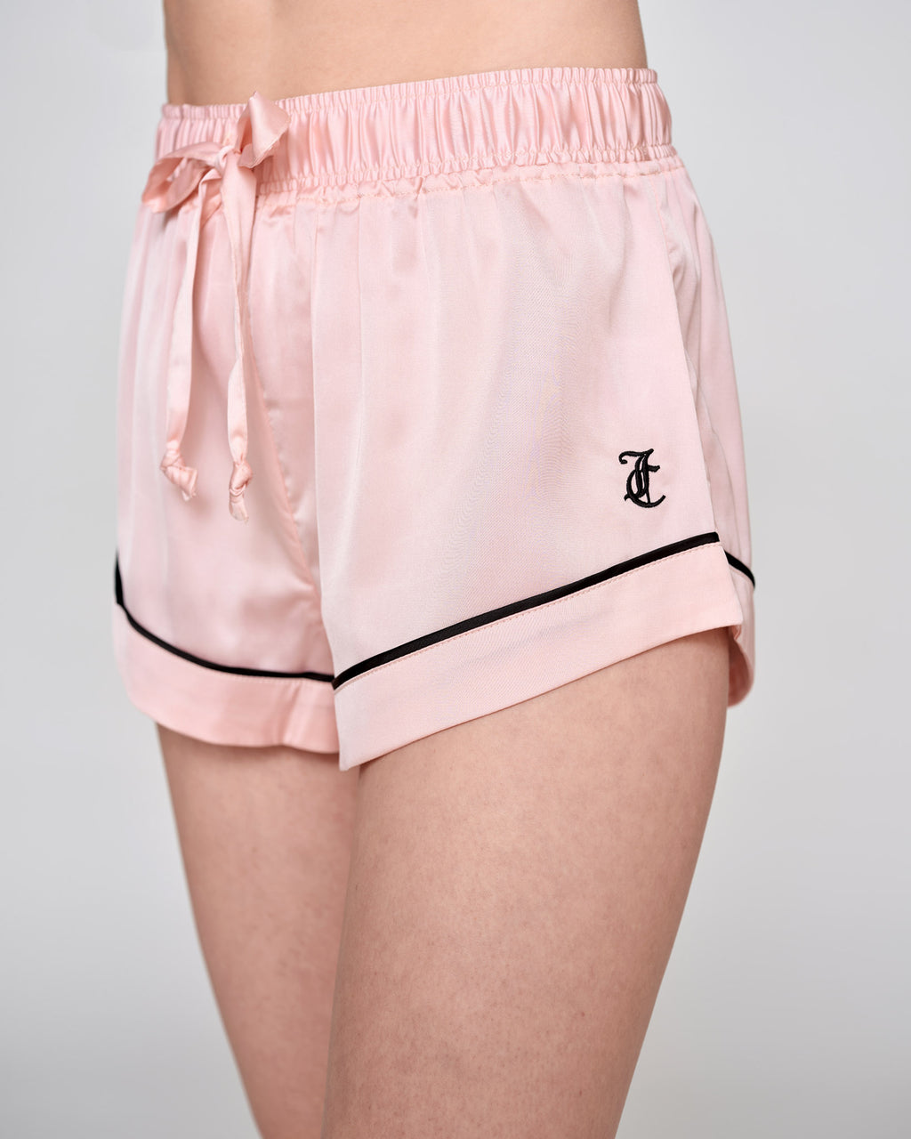 Pia Satin Shorts Almond Blossom - Juicy Couture Scandinavia