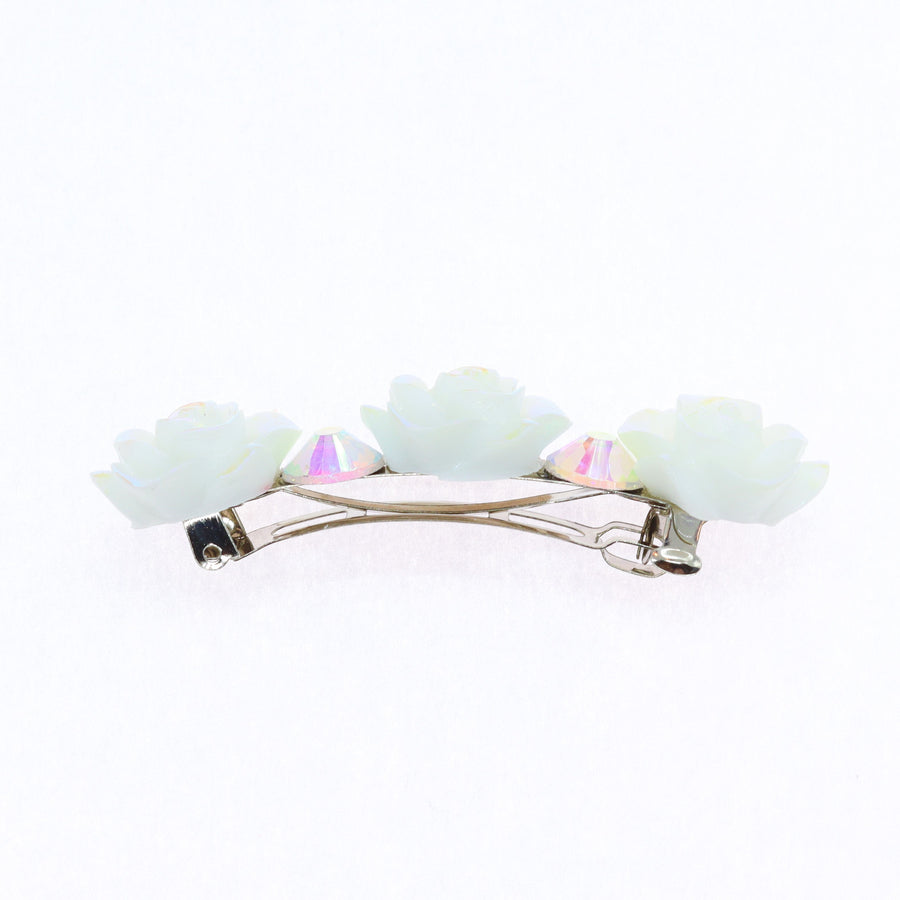 Hairpin with white flowers