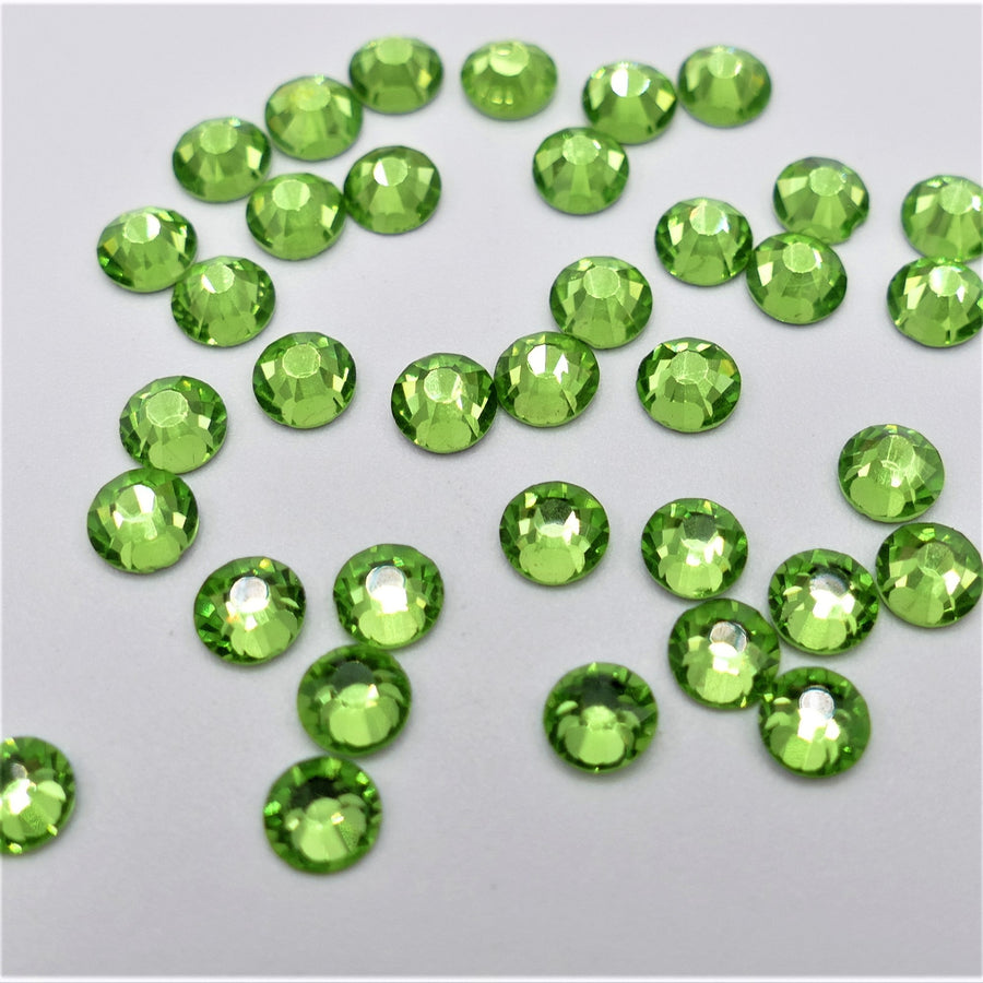 Light Peridot - Rhinestone - Non-Hotfix