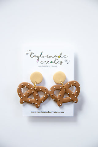 Medium Pretzel Earrings