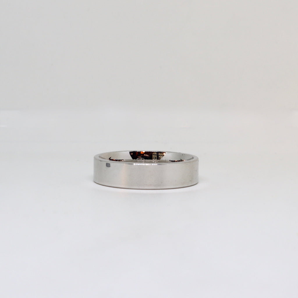 White gold flat edge mens ring