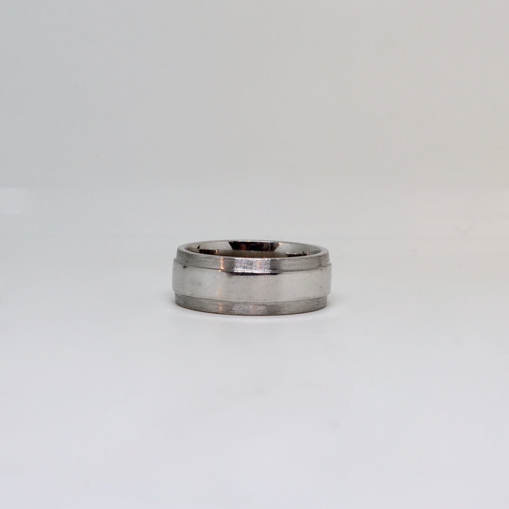 White gold with brushed edge and polished center finish mens ring