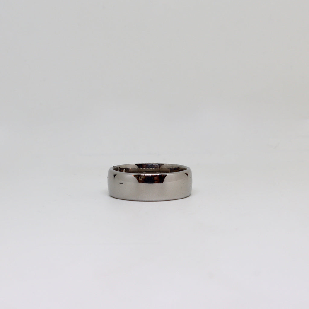 White gold polished finish band