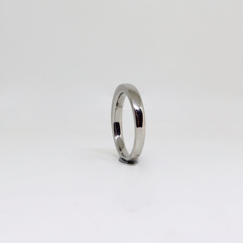 Platinum polished finished with cut edge womens ring