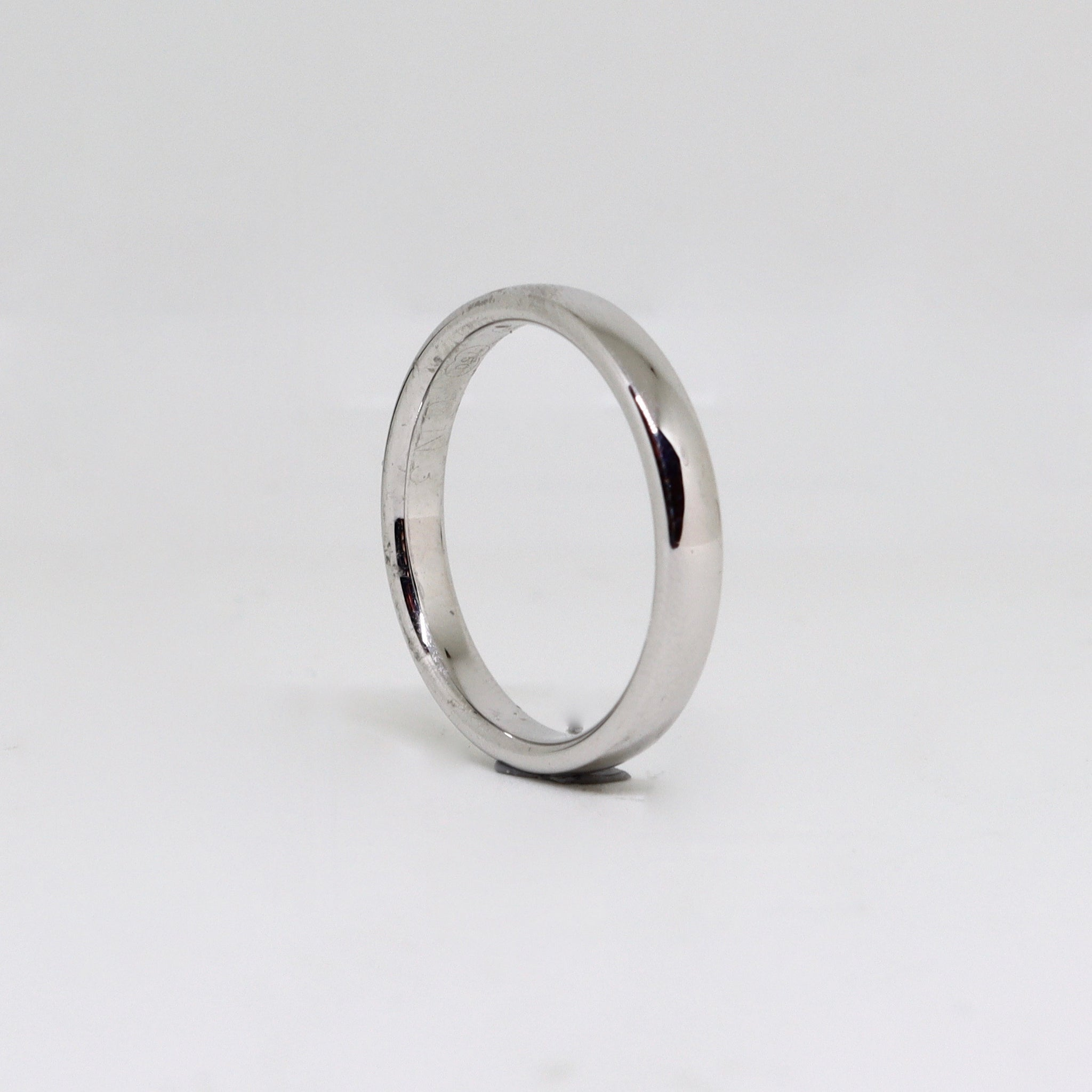 White gold polished finished womens ring