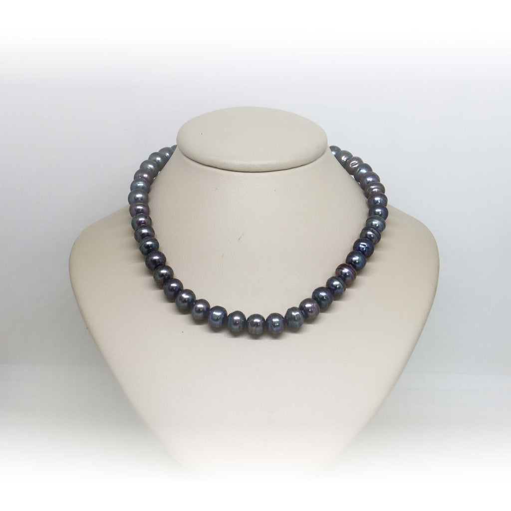 Black dyed freshwater pearl necklace