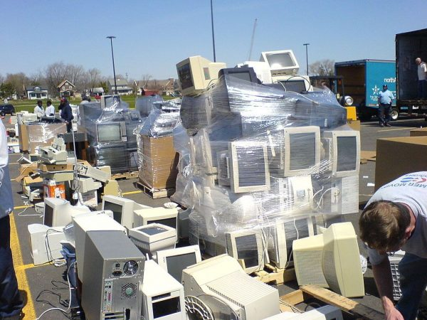 Ways to Reduce Electronic Waste and its Hazards to the Environment