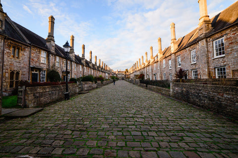 Paved-street-in-england