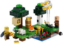 Load image into Gallery viewer, LEGO Minecraft The Bee Farm 21165