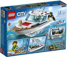 Load image into Gallery viewer, LEGO City Diving Yacht 60221