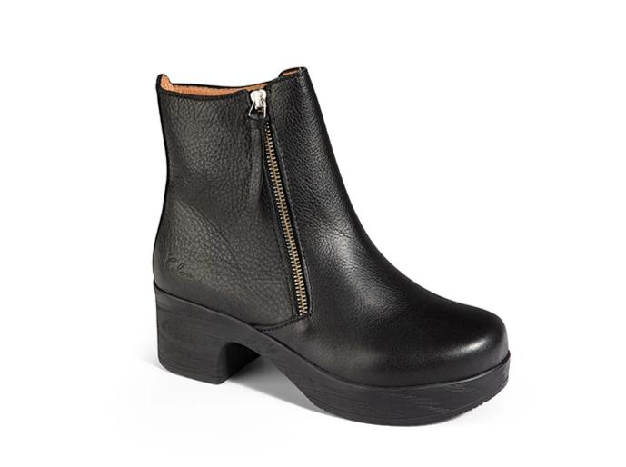 Moa Boot Black- removable footbed