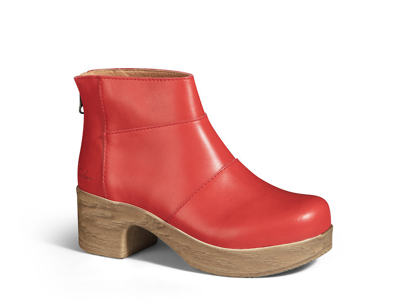 Wilma Red- removable footbed SAMPLE
