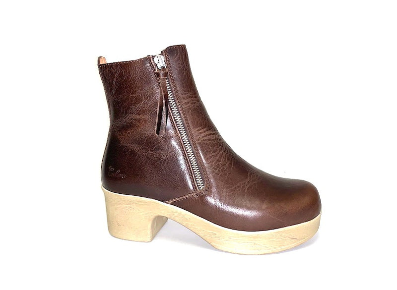 Moa Boot Brown Removable Anatomic Sole