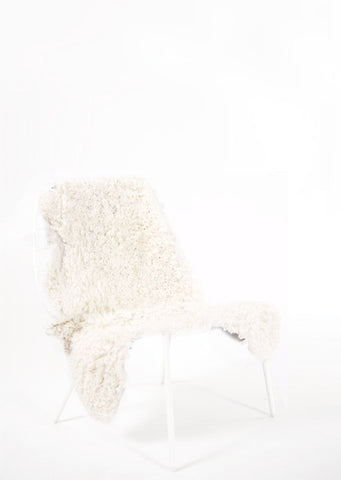 White Short Wool Gotland Sheepskin - Black Sheep (White Light)