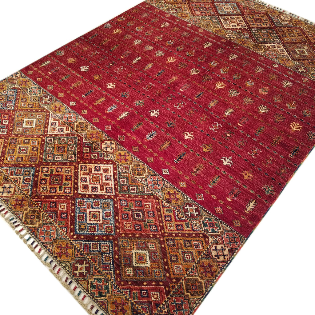 "5'9"" x 8'3""   Saddlebag Design Rug Angle View"