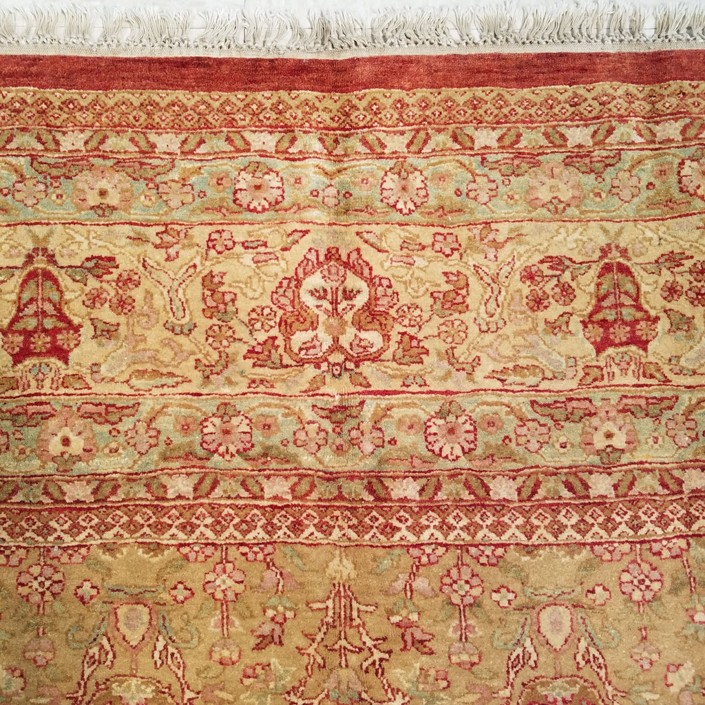 "9'3"" x 11'9""   Indian Serapi Rug Angle View"