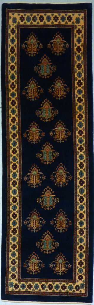 "2'10"" x 9'2""   Persian Kashkuli Runner Rug Top View"