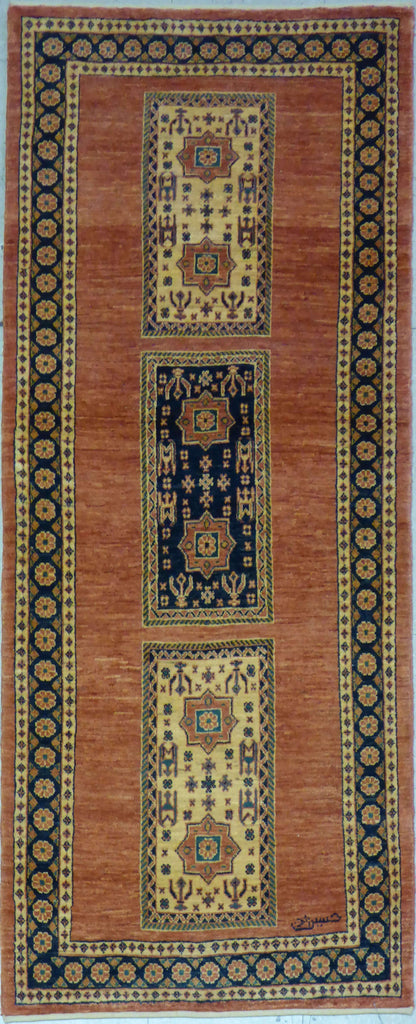 "2'8"" x 6'7""   Persian Kashkuli Runner Rug Top View"