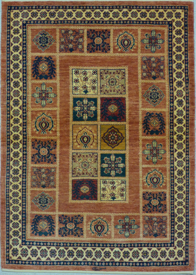 "3'7"" x 5'0""   Persian Kashkuli Rug Top View"