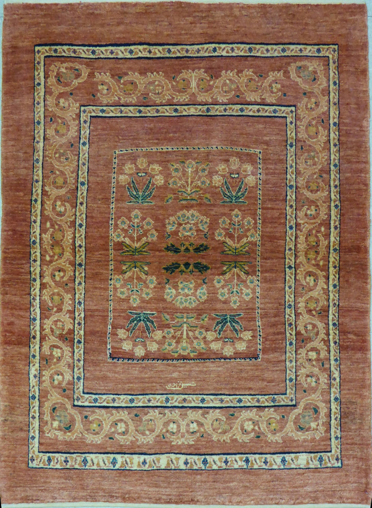 "3'6"" x 4'10""   Persian Kashkuli Rug Top View"
