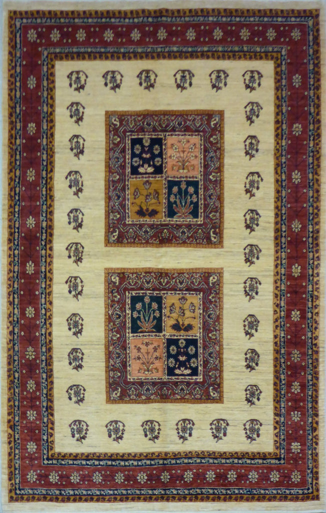 "5'8"" x 8'11""   Persian Kashkuli Rug Top View"