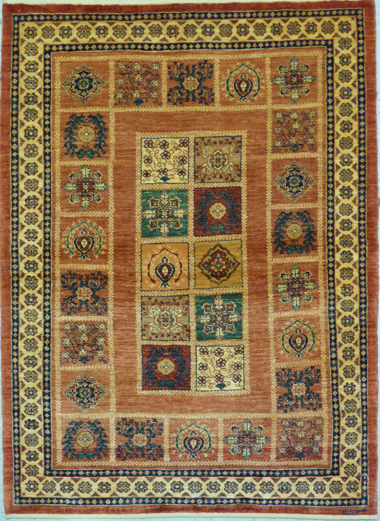 "3'7"" x 4'11""   Persian Kashkuli Rug Top View"