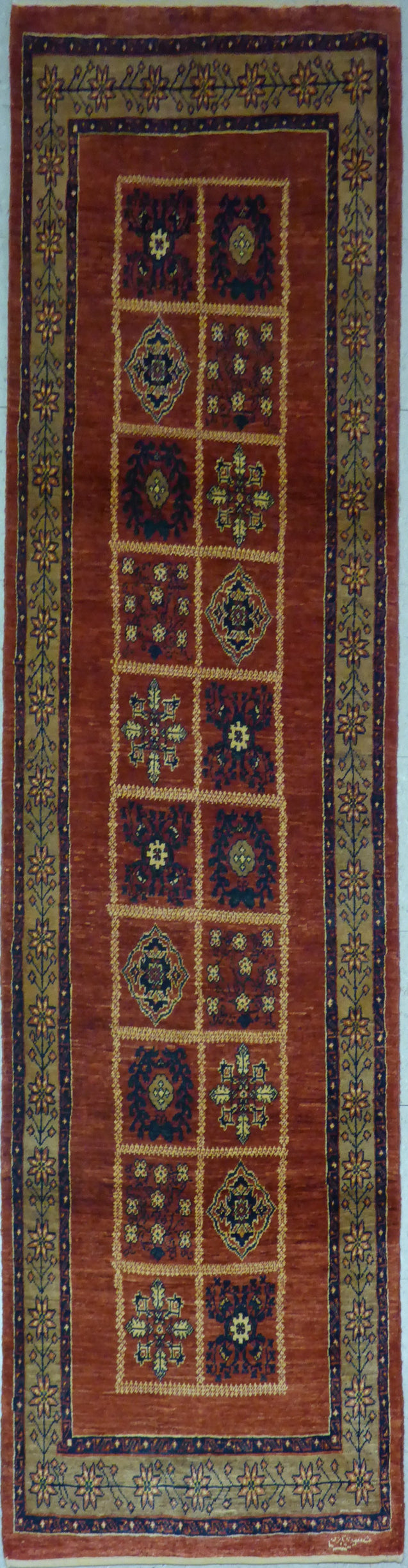 "2'7"" x 9'11""   Persian Kashkuli Runner Rug Top View"