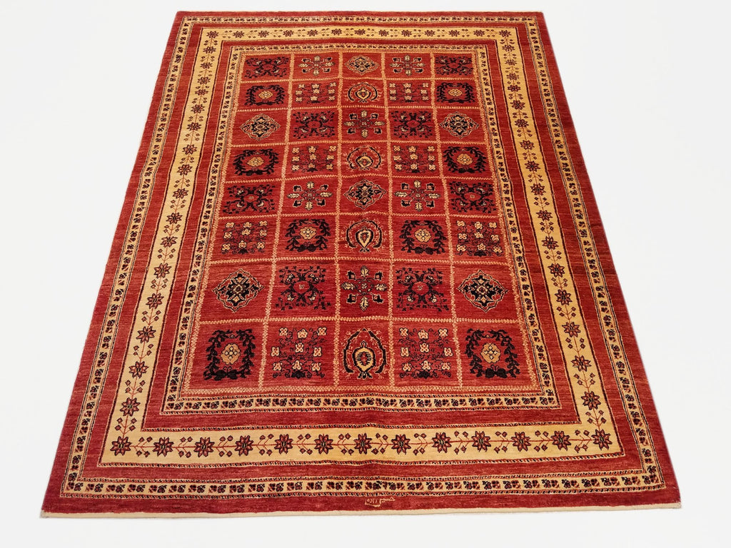 "5'7"" x 7'1""   Persian Kashkuli Rug Top View"
