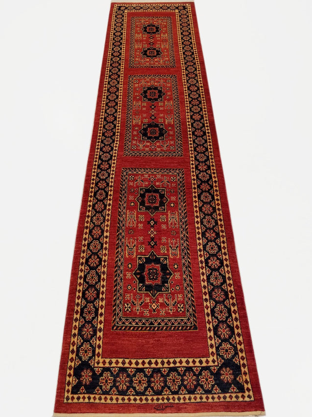 "2'7"" x 10'11""   Persian Kashkuli Runner Rug Top View"