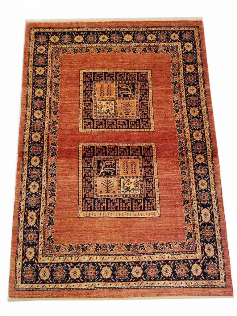 "3'7"" x 5'1""   Persian Kashkuli Rug Top View"