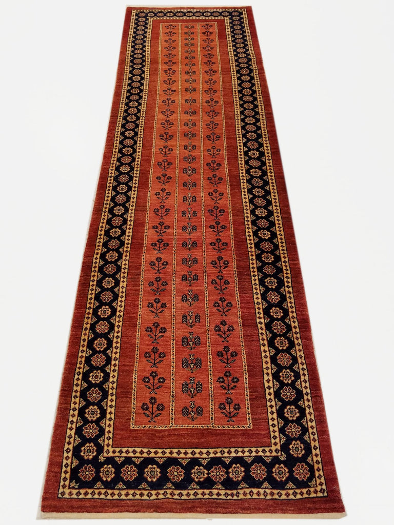 "2'8"" x 9'2""   Persian Kashkuli Runner Rug Top View"